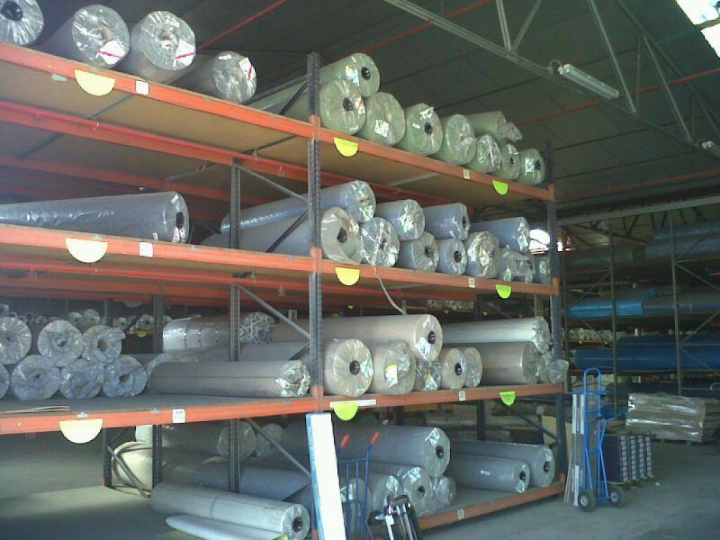 Almacenes de distribución de tarimas, suelos vinílicos y moquetas de Viva Parquet