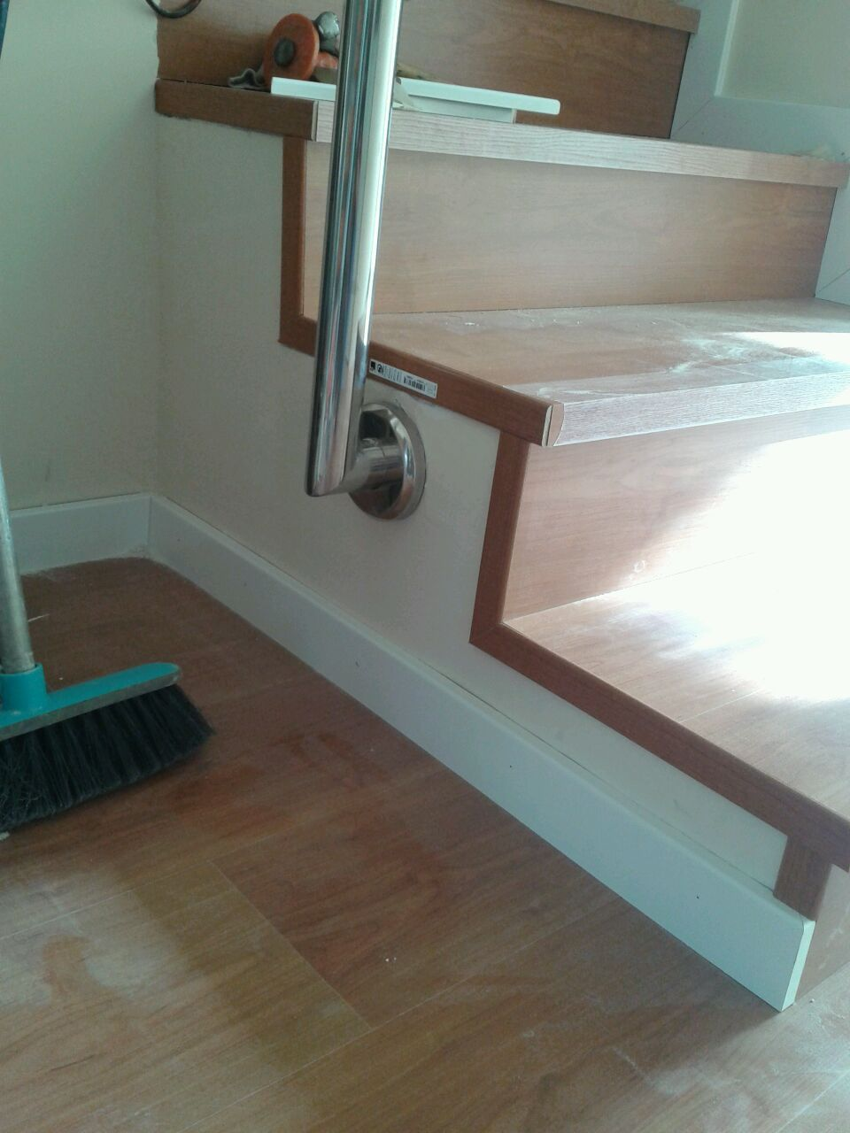 Parquet flotante revistiendo la escalera