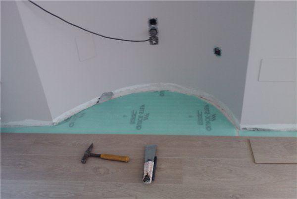 Zona curva donde se ha de instalar la tarima flotante