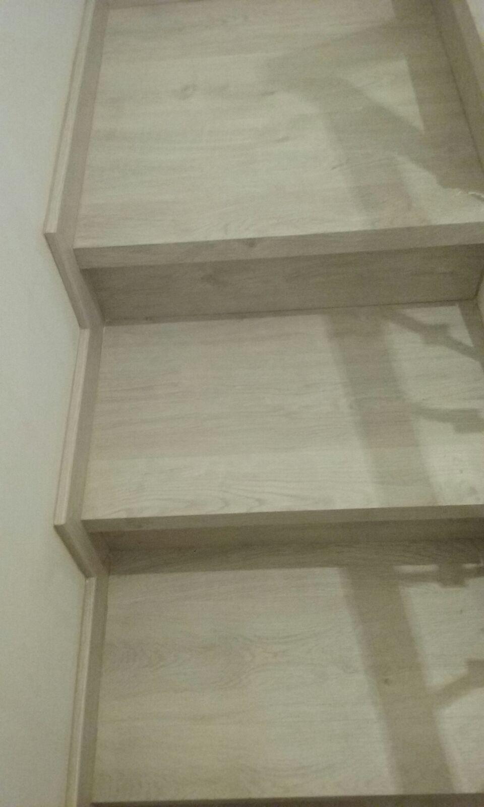 Detalles escalera con tarima Finfloor