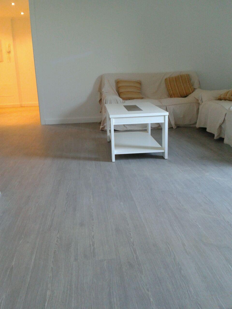 Detalles del suelo laminado Kronoswiss Noblesse Style Instalado por Viva Parquet